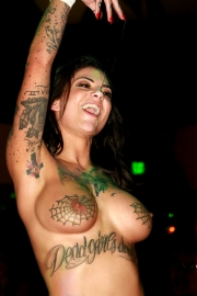bonnie-rotten-live-on-stage-39