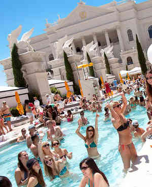 nude in vegas pool pictures