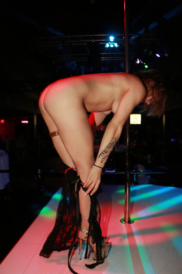 Stripper dancing for me at after 8039s luton - 1 7