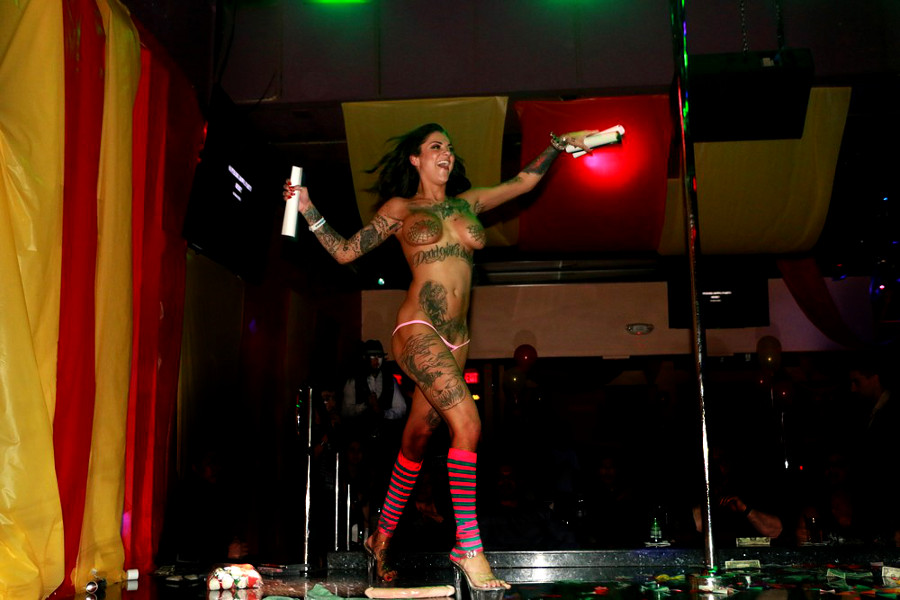 Bonnie Rotten stage show photo