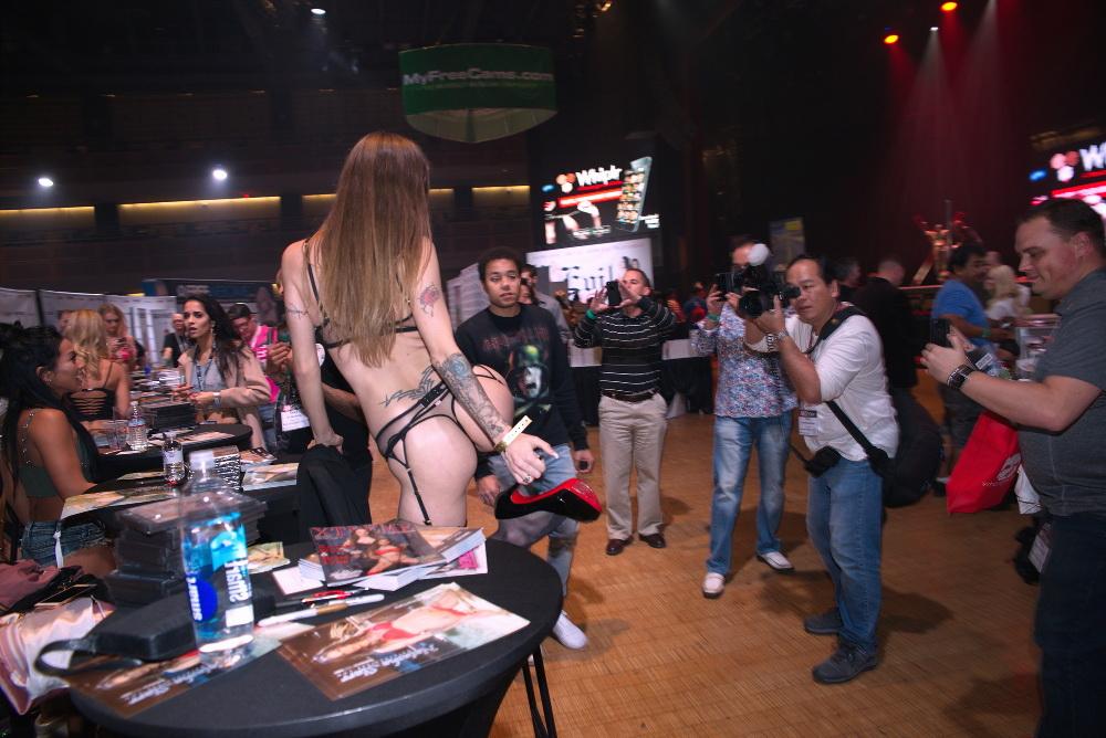 AVN 2017 Fan Photo Session