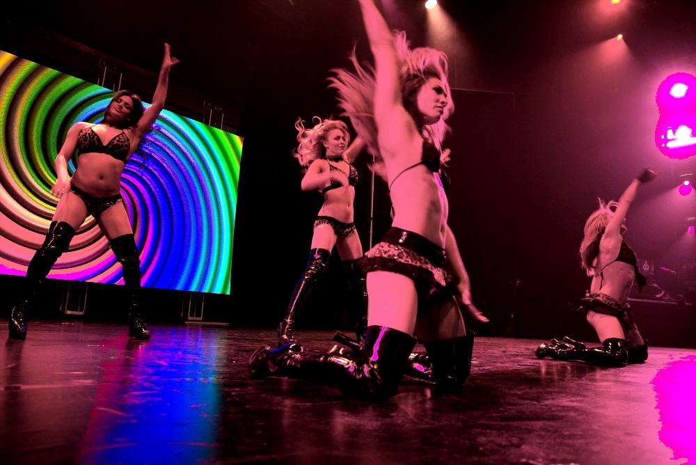 X Burlesque Dancers at AVN 2017