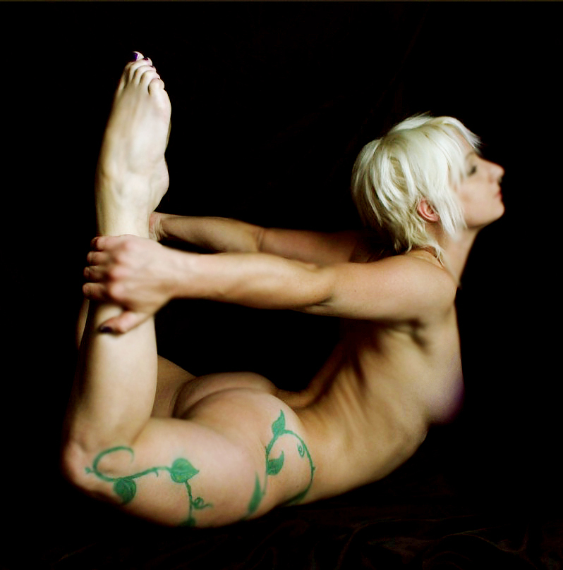 nude yoga photo