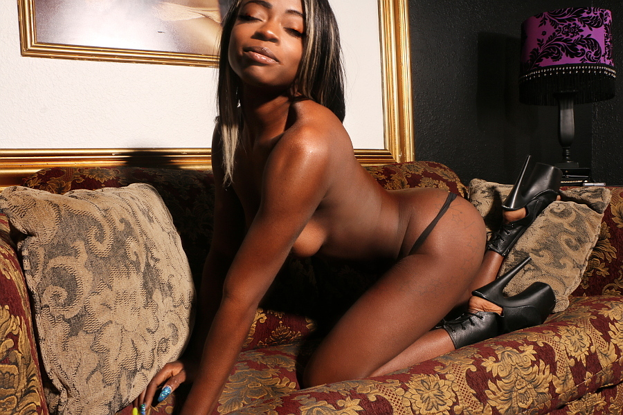 Sexy ebony stripper fucked