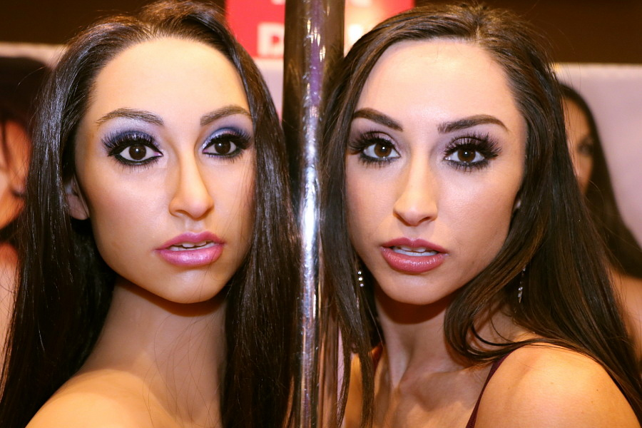 Reya Sunshine at AVN Adult Entertainment Expo 2018 photo